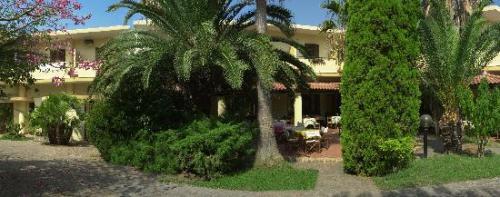 HOTEL CALABRISELLA